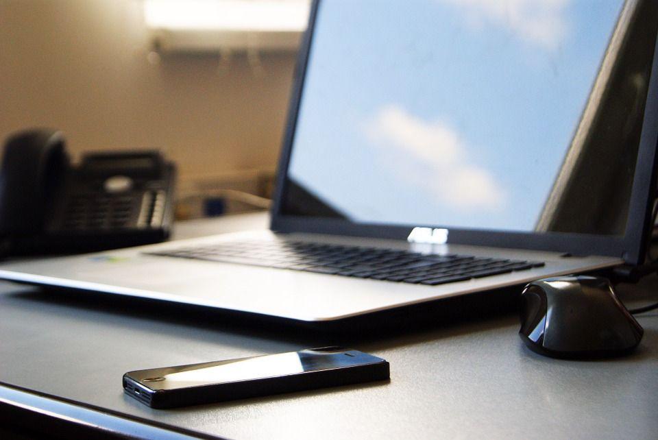 Почему налоговая служба начала выпускать электронные подписи