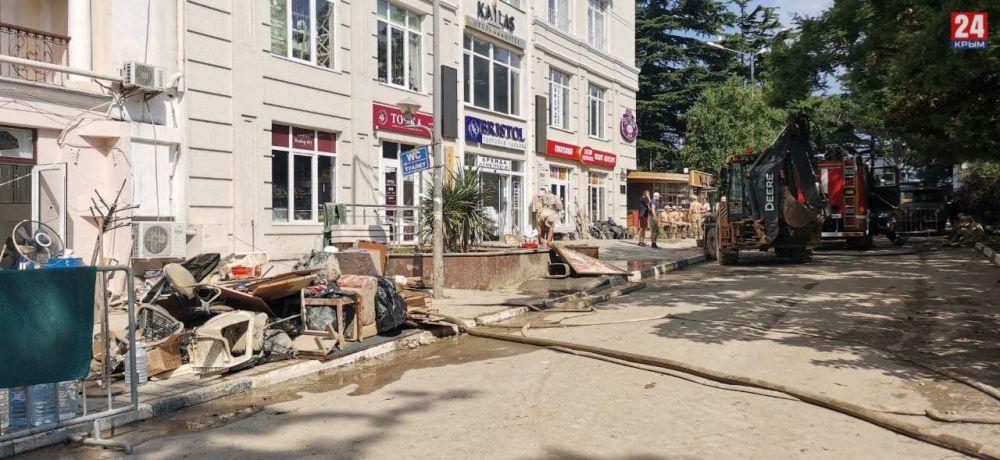 Для просушки подтопленных домов в Ялте закупят оборудование стоимостью около миллиона рублей
