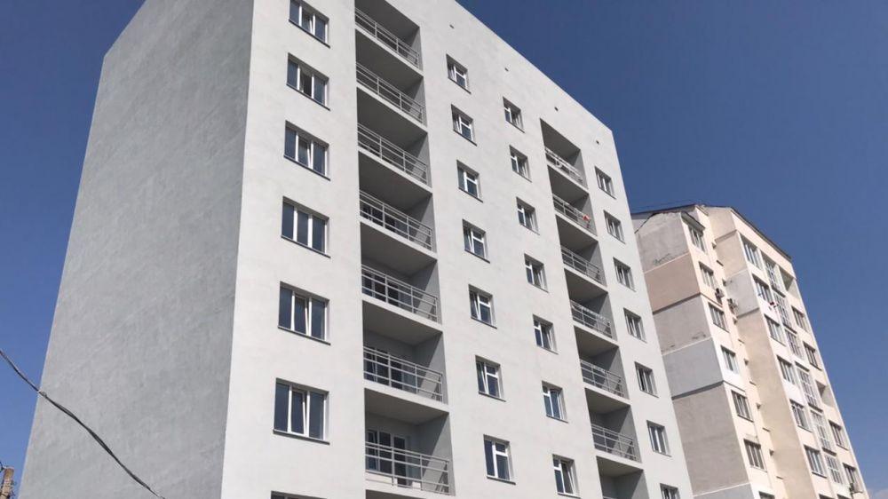 Айдер Типпа с рабочим визитом посетил строительство 36-ти квартирного жилого дома в микрорайоне Фонтаны г. Симферополь