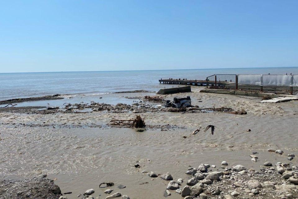 Вся пляжи Большой Ялты открыт для купания
