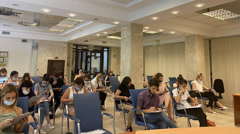 В Минюсте Крыма прошел первый этап конкурсного отбора на замещение должностей государственной гражданской службы