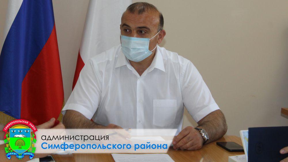 Дионис Алексанов провел совещание по подготовке автомобильных дорог к началу учебного года