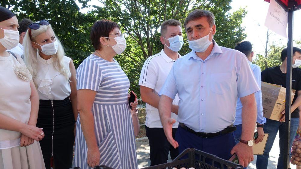 Андрей Рюмшин: В крымской столице стартовал новый сезон сельскохозяйственных ярмарок