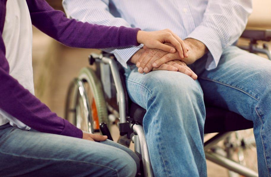 Уход за инвалидом: советы в помощь