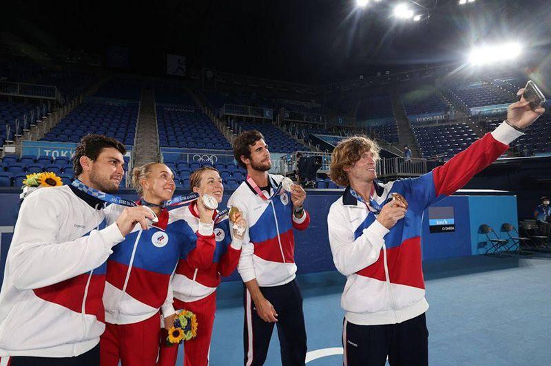 Теннисисты приносят России три олимпийские медали