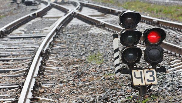 Электричка из Керчи столкнулась с бензовозом: есть пострадавший
