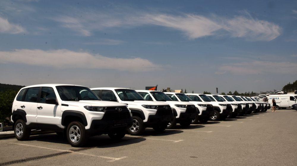 17 новых автомобилей закупили для районных больниц Крыма