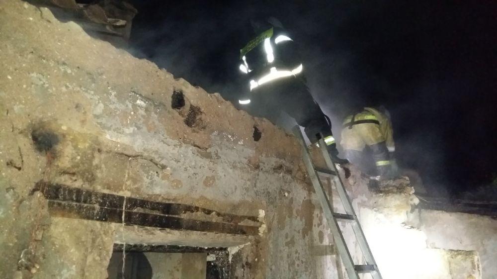 На прошедших выходных сотрудниками ГКУ РК «Пожарная охрана Республики Крым» ликвидировано 3 пожара в жилых строениях