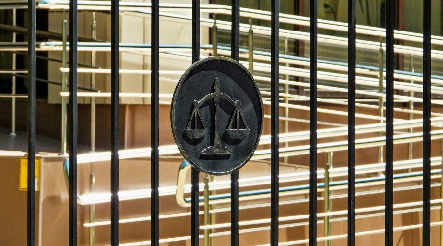 Крымчанин проведет 8,5 лет в колонии за изнасилование пенсионерки