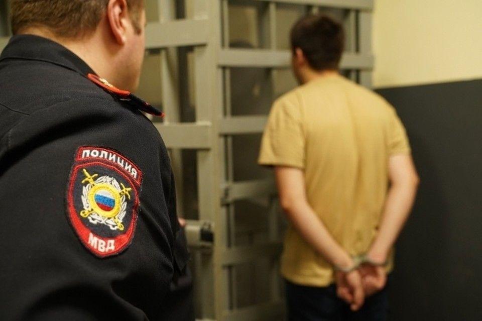 В Крыму пьяный мужчина угрожал ножом беременной жене
