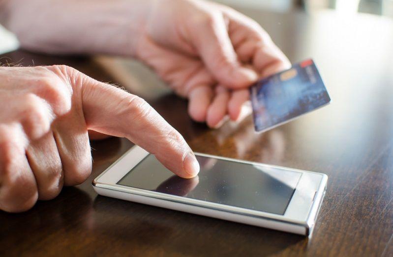 Севастополец «подарил» телефонным мошенникам почти один миллион рублей