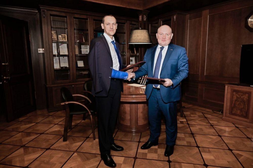 Михаил Развожаев подписал соглашение о сотрудничестве с Росреестром