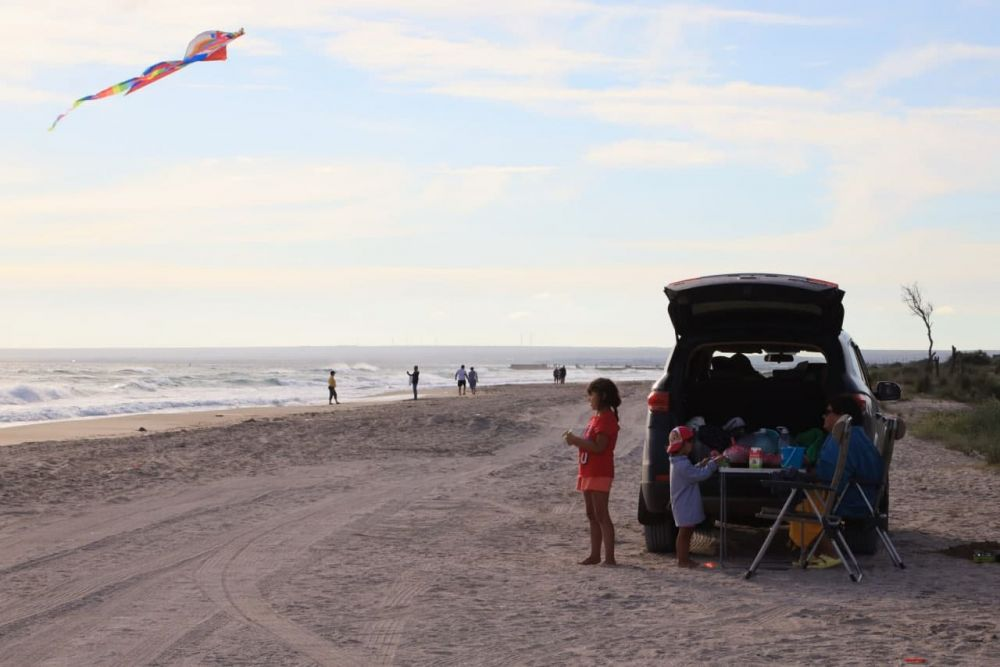 С пляжей на косе Беляус вывезли 60 тонн мусора