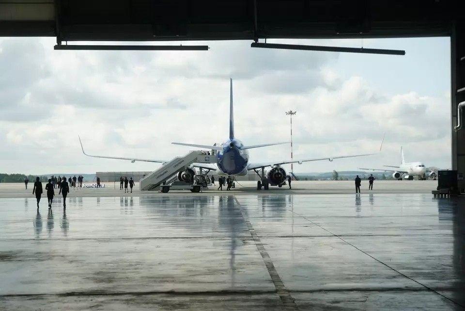 Самолет Симферополь-Екатеринбург совершил экстренную посадку из-за неисправности