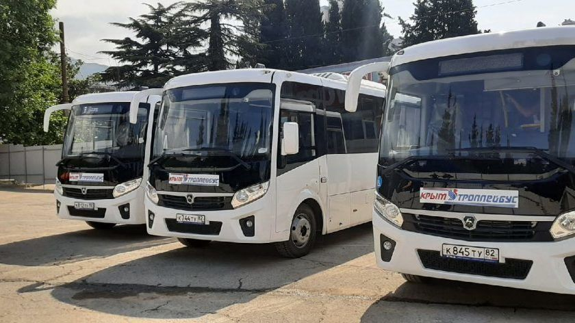 Новые автобусы вышли на крымские маршруты