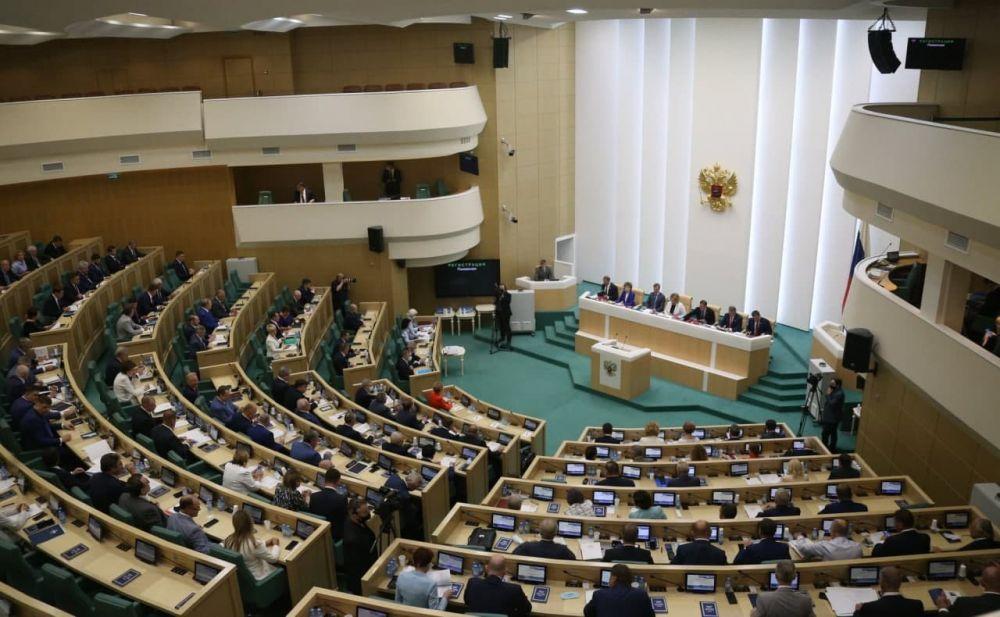 В Совфеде считают личные настроения Зеленского незначительными для Крыма