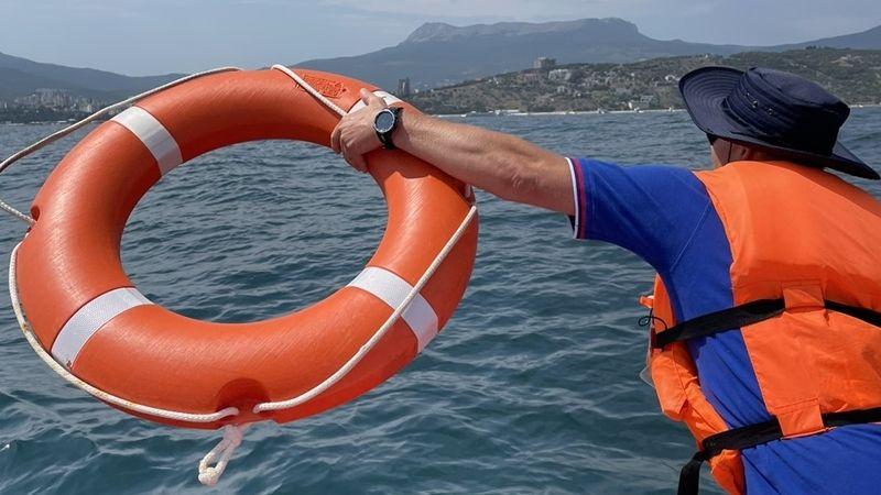 Специалисты «КРЫМ-СПАС» продолжают проводить тренировочные занятия по отработке действий при чрезвычайных происшествиях на воде