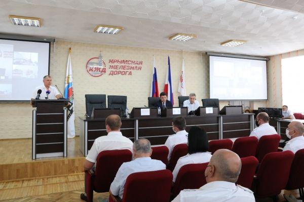 Владимир Константинов поздравил работников Крымской железнодорожной дороги с профессиональным праздником