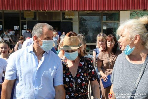 Владимир Константинов: Инициативы нижнегорцев по развитию территорий будут учтены и проработаны