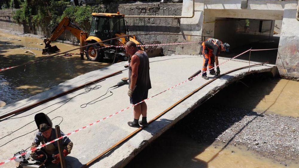 В Ялте продолжаются ремонтно-восстановительные работы