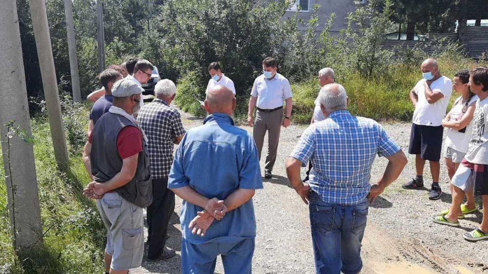 Представители Госкомнац РК с рабочим визитом посетили микрорайон Ени-Дерекой г. Ялты