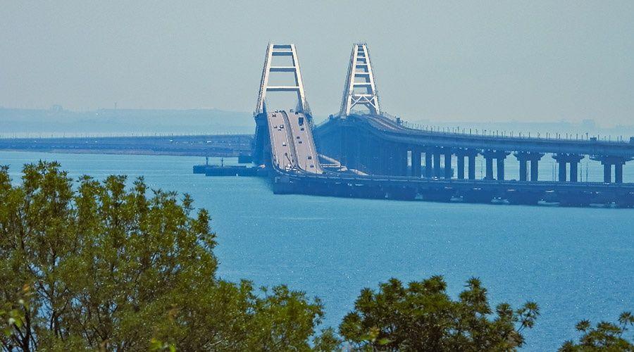 Обслуживание автодороги на Крымском мосту обойдется почти в 1 млрд рублей