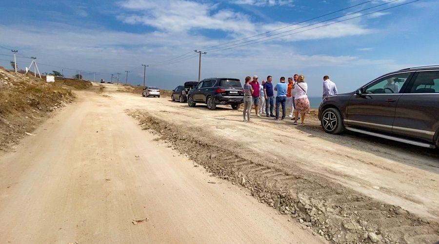 Власти заменили подрядчика строительства дороги к крепости Керчь