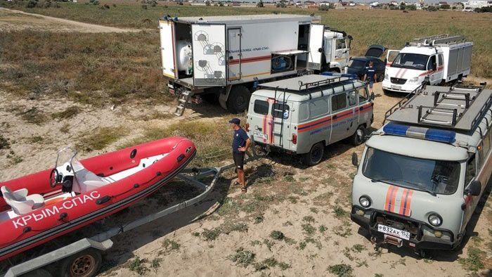 В Евпатории проходят тренировочные сборы водолазов-спасателей — фото