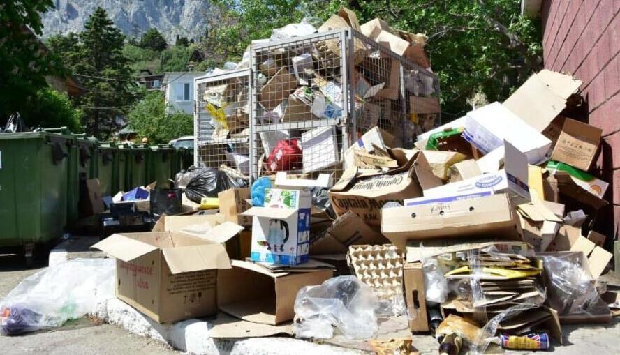 Аксёнов раскритиковал мэров городов за некачественную уборку мусора