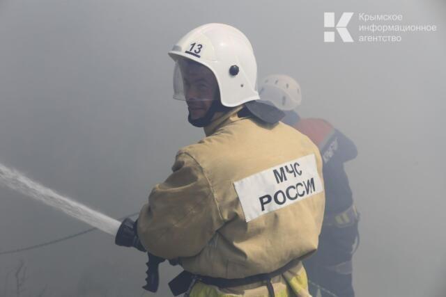 Полицейский спас людей из горящего дома в Ялте