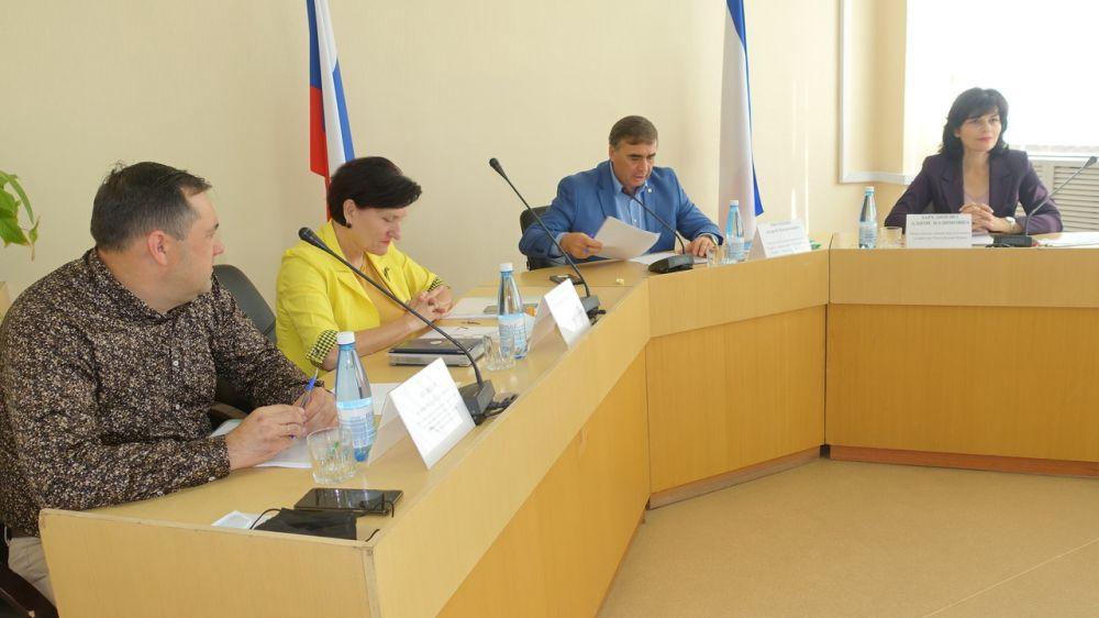 Андрей Рюмшин: В этом году на развитие семейных ферм и материально-технической базы сельхозпотребкооперативов выделена грантовая поддержка более 53 миллионов рублей