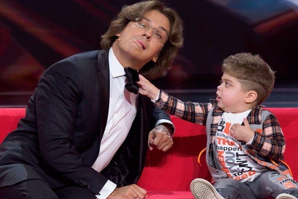 «Доктор вытащил его с того света»: Как мама покорившего Максима Галкина мальчика бьется за здоровье сына