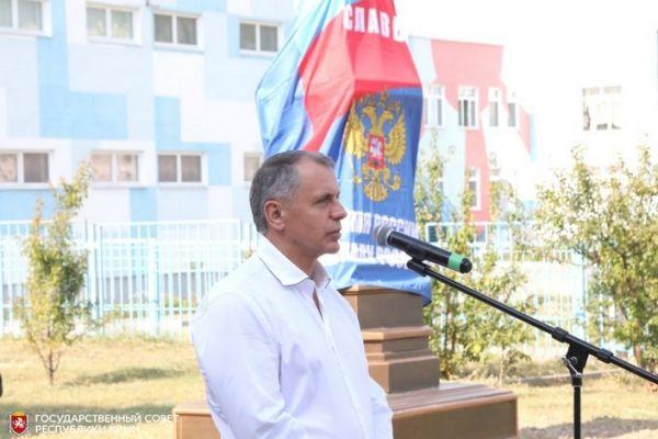 Открытие памятника Герою России Алиме Абденановой