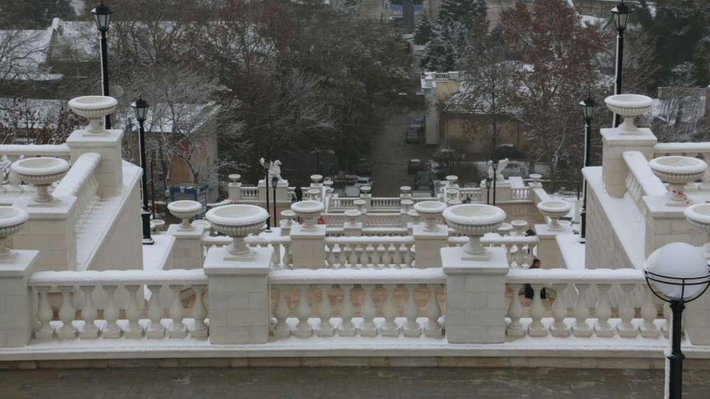 Вазы на Митридатской лестнице разбили трое керчан – МВД