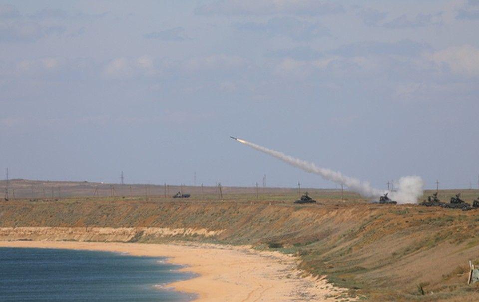 В Крыму военные ЧФ учились уничтожать условного противника в воздухе