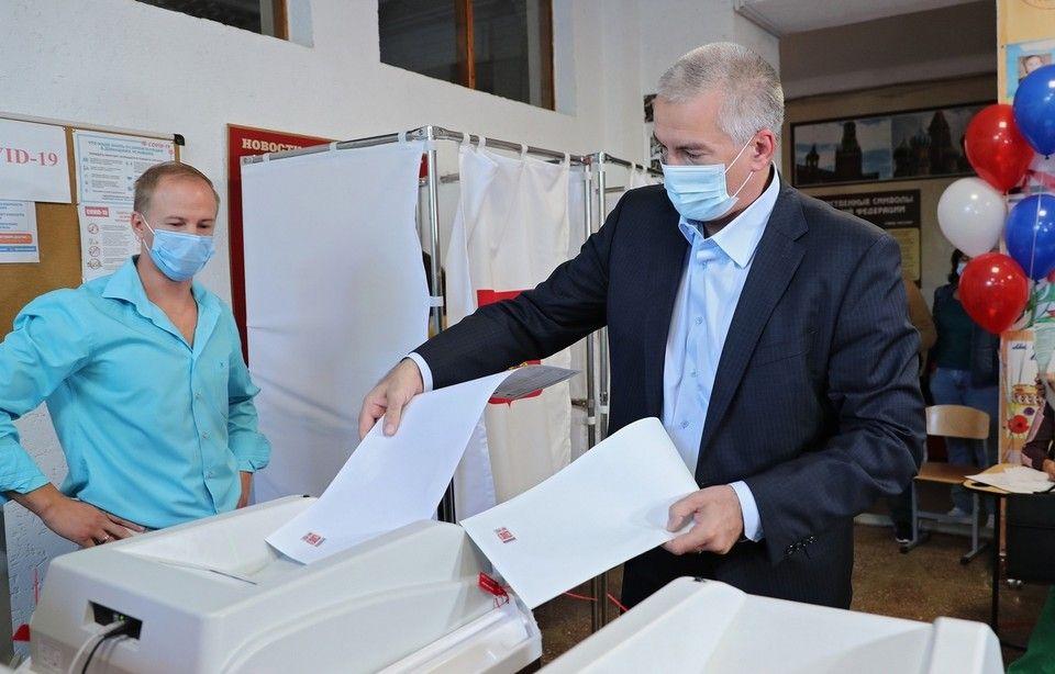 Сергей Аксенов принял участие на выборах в Госдуму