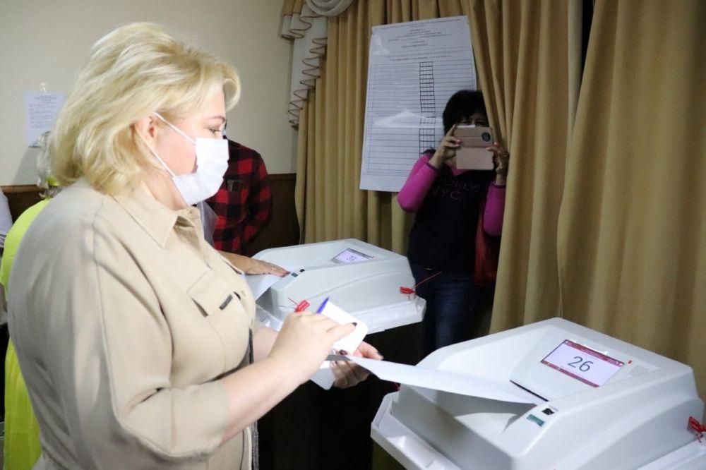 Глава администрации Ялты приняла участие в голосовании