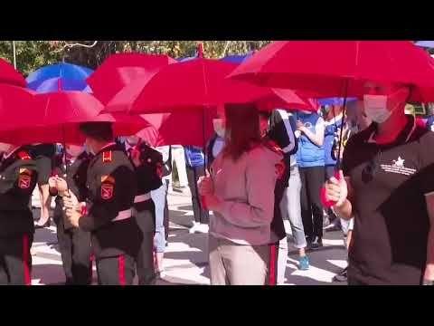 В Симферополе студенты развернули 17-метровый флаг России