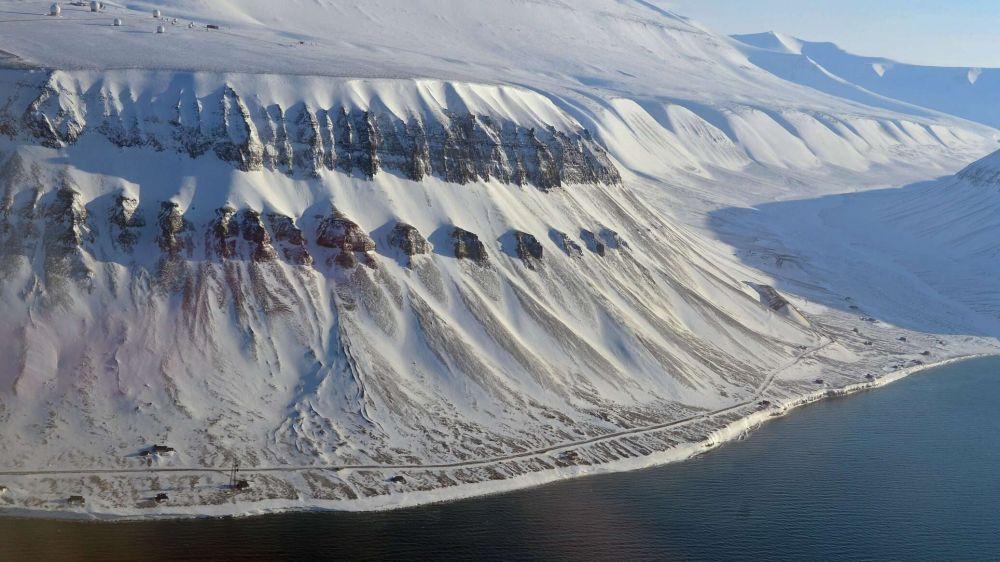 Тает не только лед: над Антарктикой растет рекордная озоновая дыра