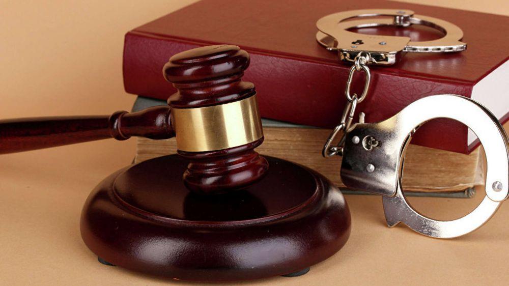 В Севастополе вынесли приговор вандалам за порчу лестницы