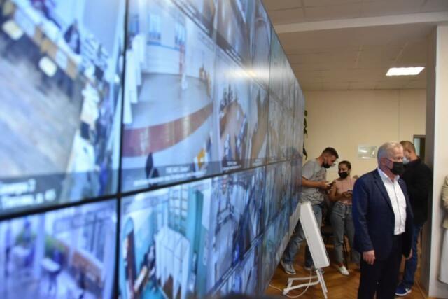 Общественники продолжают контролировать ход голосования в Крыму