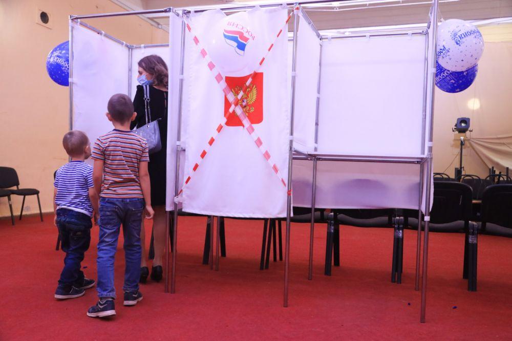 За первый день в Крыму проголосовало почти 316 тысяч человек