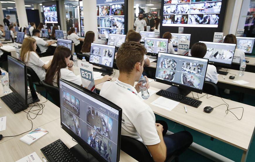 В Общественной палате РФ за первый день выборов выявили порядка 7 тыс. фейков