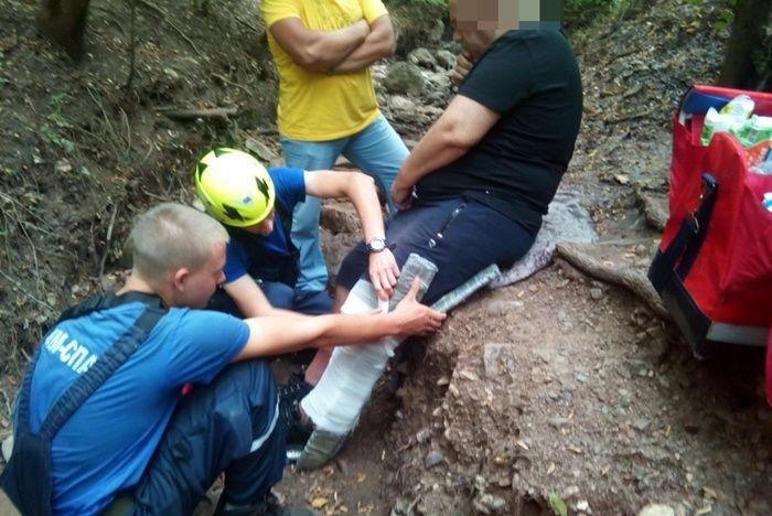 Крымские спасатели трижды за выходные помогали туристам в горах