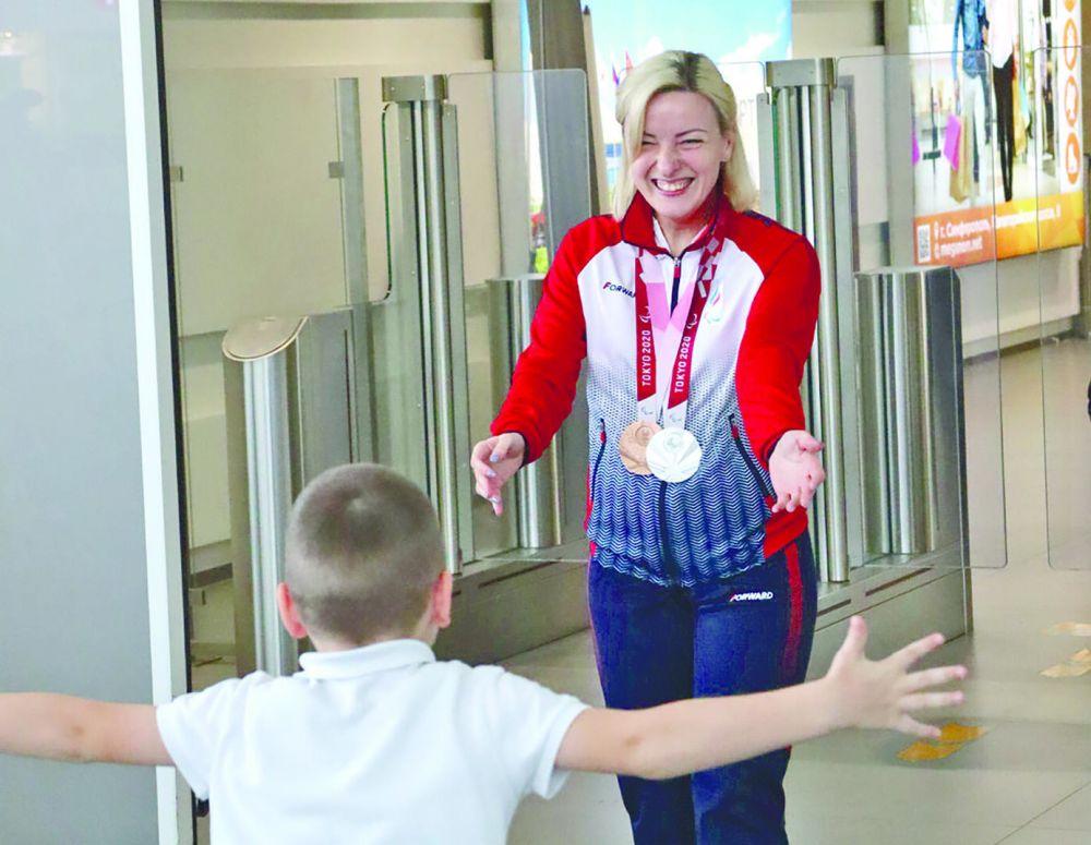Двукратный призёр Паралимпийских игр Виктория Сафонова вернулась домой