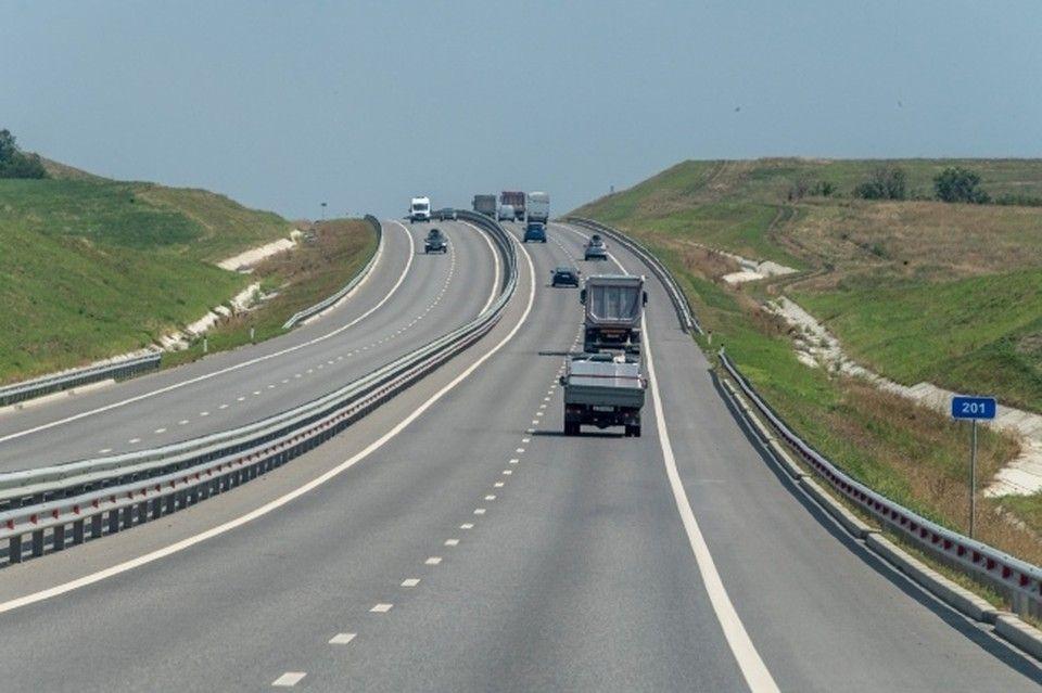 Четыре дороги в Крыму отремонтируют за 300 миллионов рублей