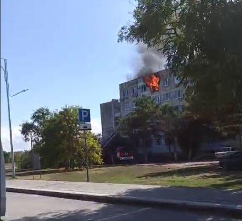 Один человек погиб и четверо пострадали при пожаре в евпаторийской многоэтажке