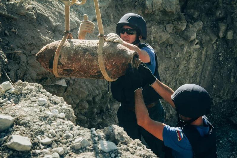 Севастопольские пиротехники уничтожили десять авиабомб
