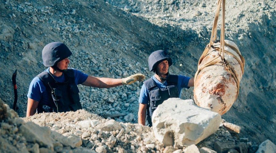 Севастопольские спасатели уничтожили 10 авиабомб времен войны