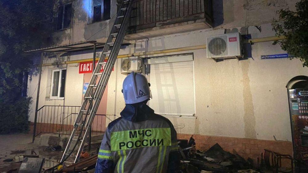 Ночью в Джанкое горел многоквартирный дом: людей эвакуировали